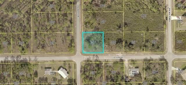 2901 E 13th St, Lehigh Acres, FL 33972 (#220022049) :: The Dellatorè Real Estate Group