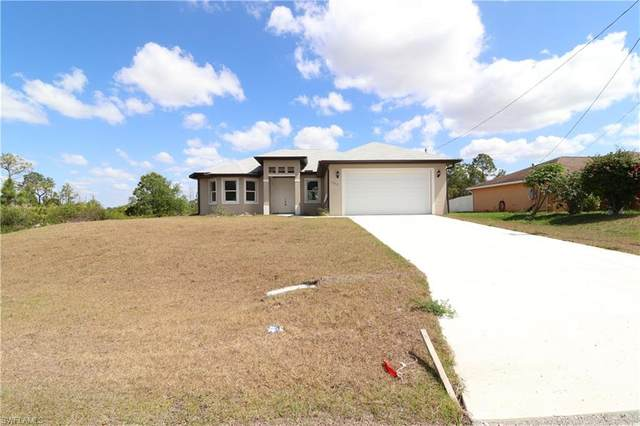 1539 Meadow Rd, Lehigh Acres, FL 33976 (MLS #220022276) :: Clausen Properties, Inc.