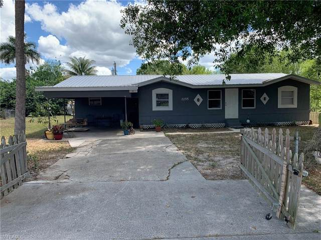 2255 Towles St, Fort Myers, FL 33916 (MLS #220022372) :: RE/MAX Realty Team