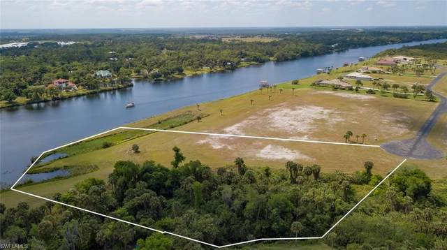 2540 Caloosa Shores Drive, Labelle, FL 33935 (MLS #220022605) :: Clausen Properties, Inc.