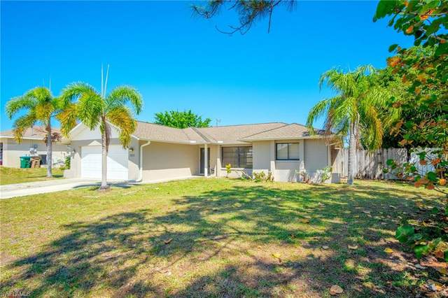 923 SW 36th St, Cape Coral, FL 33914 (MLS #220022827) :: #1 Real Estate Services