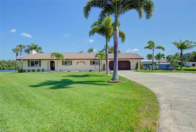 2190 Isle Of Pines Ave, Fort Myers, FL 33905 (MLS #220022953) :: RE/MAX Realty Team