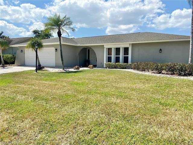 5631 Montilla Dr, Fort Myers, FL 33919 (MLS #220023057) :: The Keller Group