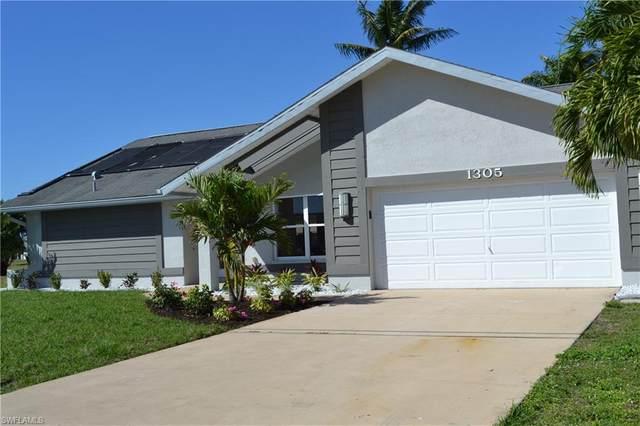 1305 SE 23rd Ter, Cape Coral, FL 33990 (MLS #220023501) :: Clausen Properties, Inc.