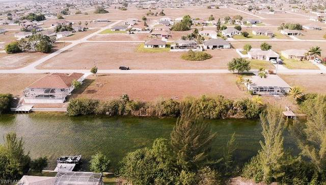 408 NW 20th St, Cape Coral, FL 33993 (#220023577) :: Caine Premier Properties
