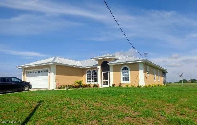 7004 W Rich Ct, Labelle, FL 33935 (MLS #220023642) :: RE/MAX Realty Team