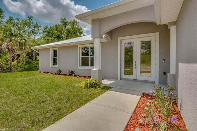 1007 Highland Ave, Lehigh Acres, FL 33972 (MLS #220023667) :: RE/MAX Realty Team