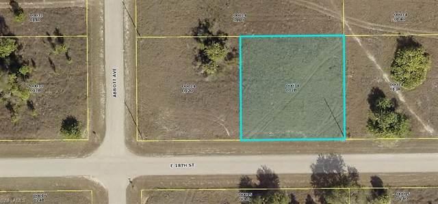 4403 E 18th St, Lehigh Acres, FL 33972 (#220024184) :: The Dellatorè Real Estate Group