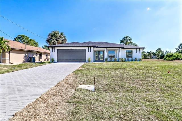 1910 NE 34th St, Cape Coral, FL 33909 (MLS #220024431) :: RE/MAX Radiance