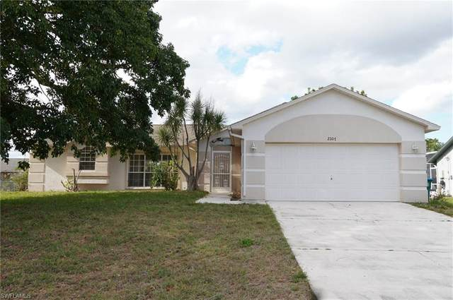 2207 NE 3rd Ter, Cape Coral, FL 33909 (MLS #220024586) :: RE/MAX Realty Team