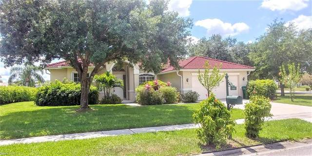 750 Waterloo Court, Naples, FL 34120 (#220025026) :: The Dellatorè Real Estate Group