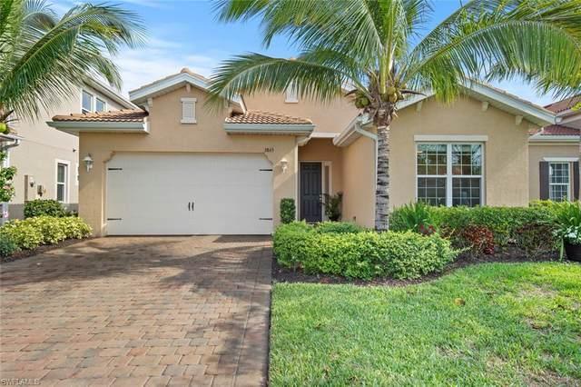 3865 King Williams Street, Fort Myers, FL 33916 (MLS #220025440) :: Kris Asquith's Diamond Coastal Group