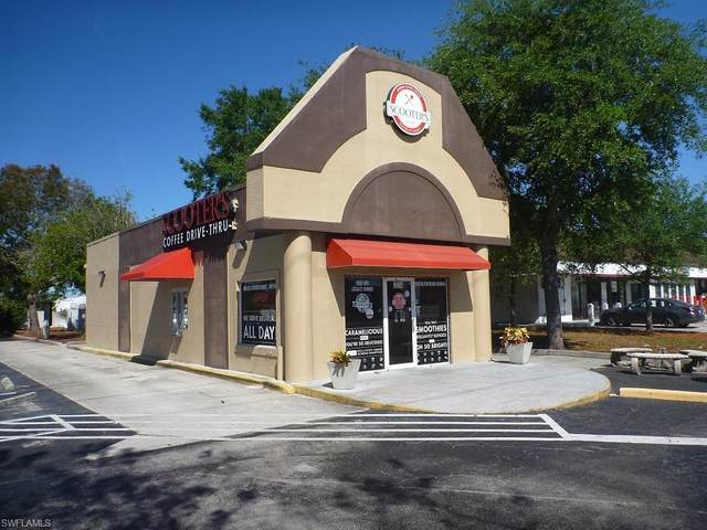 1014 Del Prado Boulevard S, Cape Coral, FL 33990 (MLS #220026235) :: Clausen Properties, Inc.