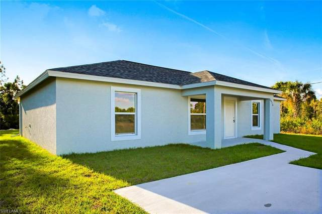 1287 S Saturn Circle, Labelle, FL 33935 (MLS #220028033) :: Clausen Properties, Inc.