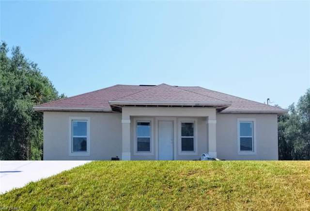 2027 Detroit Drive, Labelle, FL 33935 (MLS #220028272) :: Clausen Properties, Inc.