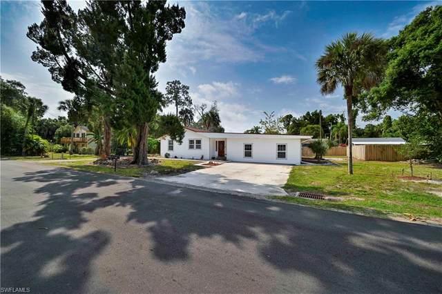 553 San Bernardino Street, North Fort Myers, FL 33903 (MLS #220028633) :: Palm Paradise Real Estate
