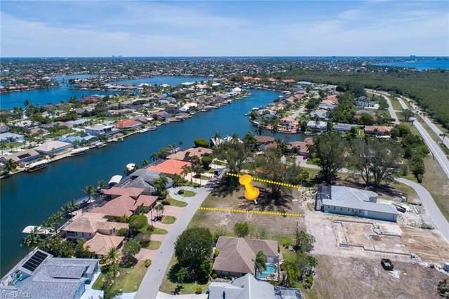 5772 SW 9th Court, Cape Coral, FL 33914 (MLS #220029118) :: Clausen Properties, Inc.