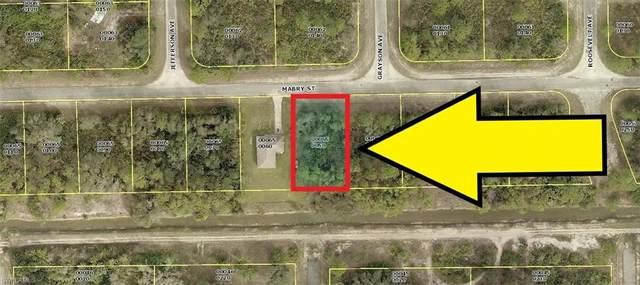 2422 Mabry Street, Alva, FL 33920 (#220030170) :: The Dellatorè Real Estate Group