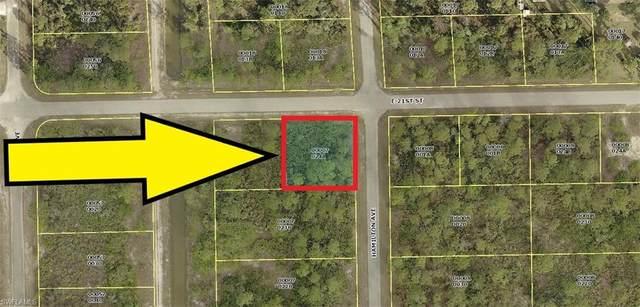2906 E 21st Street, Alva, FL 33920 (#220030243) :: The Dellatorè Real Estate Group