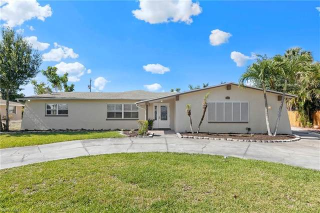 2413 Jasper Avenue, Fort Myers, FL 33907 (#220030549) :: The Dellatorè Real Estate Group