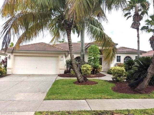 820 Grand Rapids Boulevard, Naples, FL 34120 (#220032225) :: The Dellatorè Real Estate Group