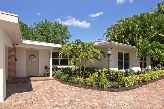 6806 Hibiscus Lane, Fort Myers, FL 33919 (#220032783) :: The Dellatorè Real Estate Group