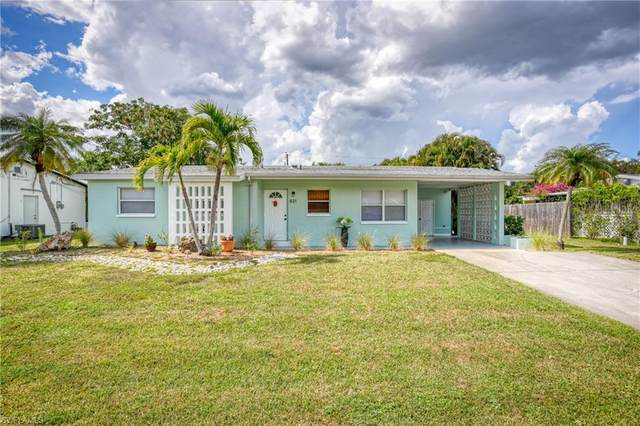831 Lake Mcgregor Drive, Fort Myers, FL 33919 (MLS #220033004) :: Team Swanbeck