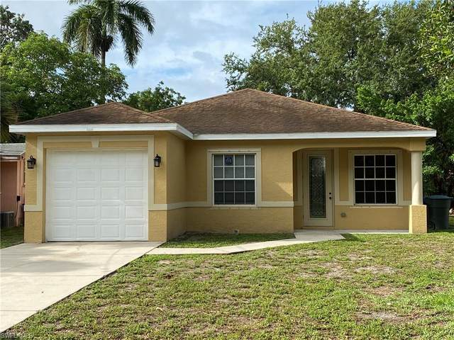 2818 Lincoln Boulevard, Fort Myers, FL 33916 (MLS #220033045) :: #1 Real Estate Services