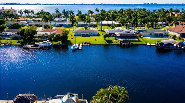 433 Bayshore Drive, Cape Coral, FL 33904 (MLS #220033318) :: RE/MAX Realty Team