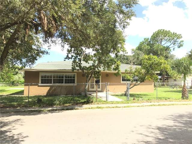 1901 Starnes Avenue, Fort Myers, FL 33916 (MLS #220033468) :: RE/MAX Realty Group