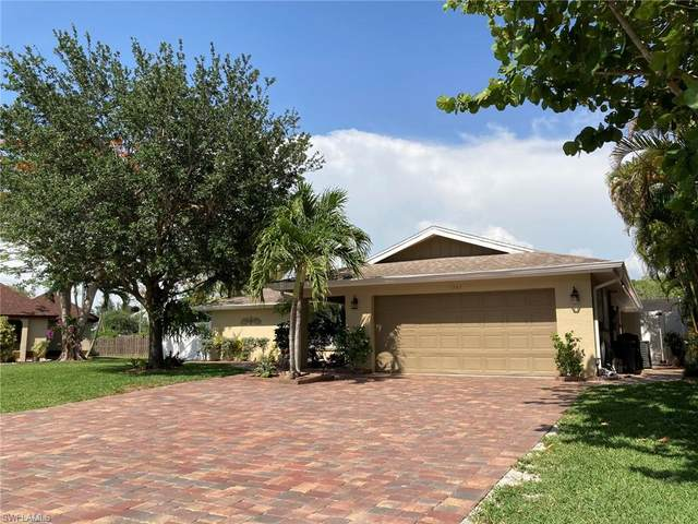 1747 Boxwood Lane, Naples, FL 34105 (MLS #220034307) :: The Naples Beach And Homes Team/MVP Realty
