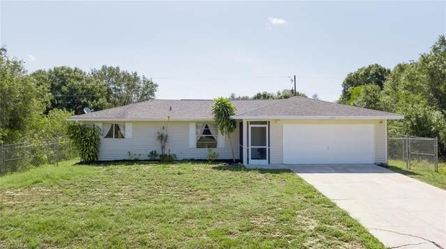 6010 Latimer Avenue, Fort Myers, FL 33905 (MLS #220034561) :: Palm Paradise Real Estate