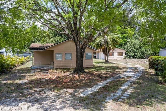 3825 Seminole Avenue, Fort Myers, FL 33916 (MLS #220034620) :: Palm Paradise Real Estate