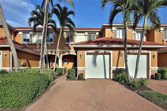 3352 Dandolo Circle, Cape Coral, FL 33909 (#220035216) :: The Dellatorè Real Estate Group