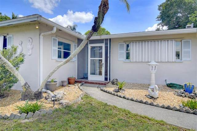 960 Ridgeway Drive, North Fort Myers, FL 33903 (MLS #220035345) :: Clausen Properties, Inc.
