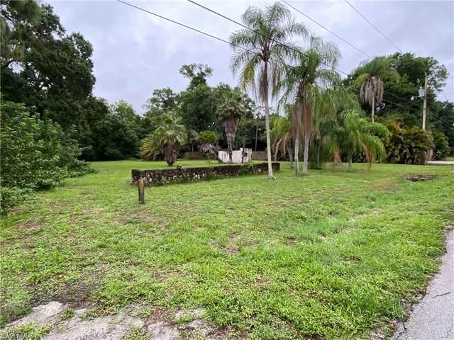 2948 Garden Street, North Fort Myers, FL 33917 (#220035934) :: Southwest Florida R.E. Group Inc