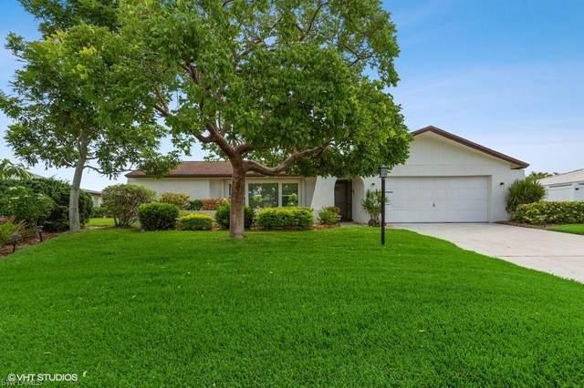 5460 Beaujolais Lane, Fort Myers, FL 33919 (#220037976) :: The Dellatorè Real Estate Group