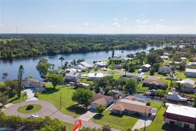 2131 Safe Harbour Court, Alva, FL 33920 (MLS #220039138) :: Clausen Properties, Inc.