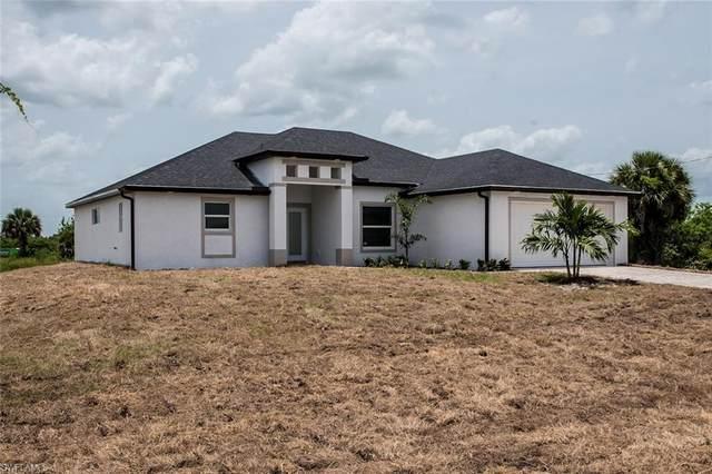 240 Blackstone Drive, Fort Myers, FL 33913 (MLS #220040376) :: Kris Asquith's Diamond Coastal Group