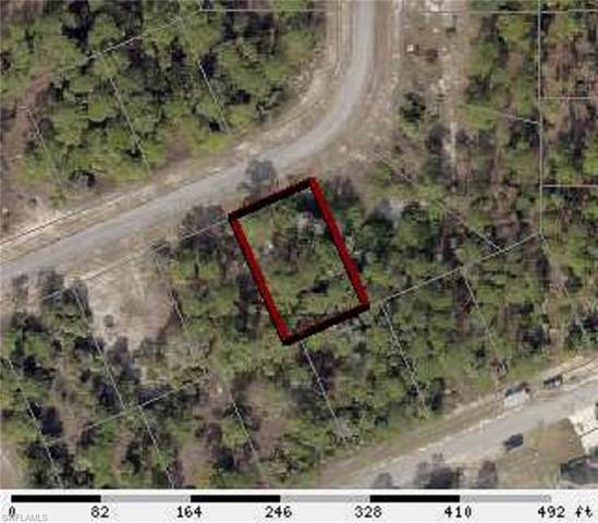8008 Sandlewood Circle, Labelle, FL 33935 (MLS #220040571) :: Clausen Properties, Inc.
