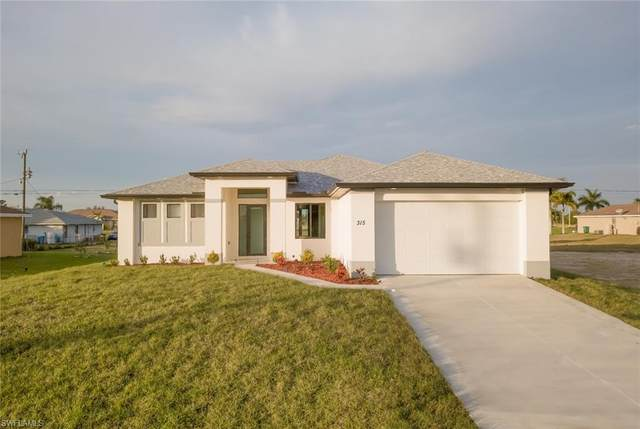 632 NE 6th Place, Cape Coral, FL 33909 (MLS #220040799) :: #1 Real Estate Services