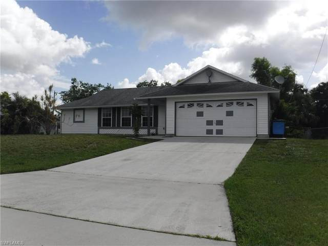 617 SW 10th Place, Cape Coral, FL 33991 (MLS #220041539) :: RE/MAX Realty Team