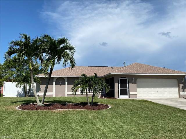 307 NE 14th Avenue, Cape Coral, FL 33909 (MLS #220041611) :: #1 Real Estate Services