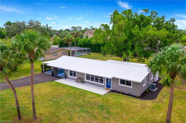 711 Willow Drive, Lehigh Acres, FL 33936 (MLS #220042158) :: Palm Paradise Real Estate