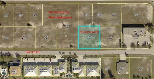 319 SW 3rd Street, Cape Coral, FL 33991 (#220042202) :: The Dellatorè Real Estate Group