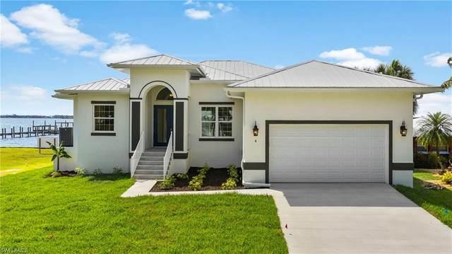 4 Live Oak Lane, Fort Myers, FL 33905 (#220042210) :: The Dellatorè Real Estate Group