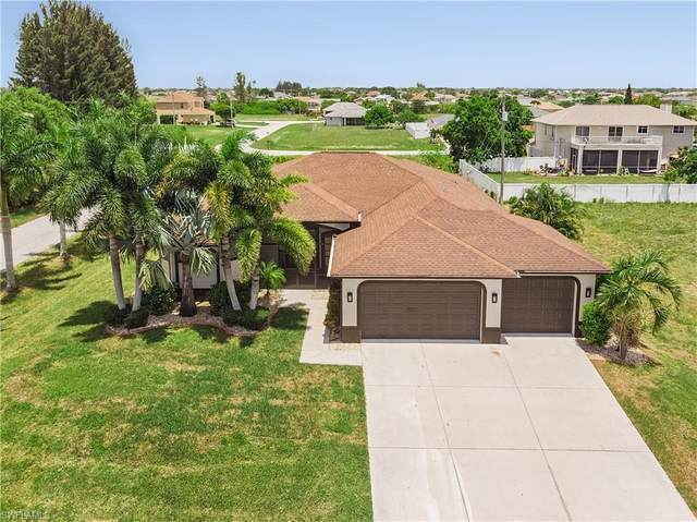 1717 NE 4th Place, Cape Coral, FL 33909 (MLS #220042266) :: Palm Paradise Real Estate