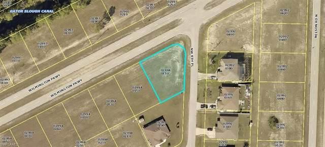 826 Wilmington Parkway, Cape Coral, FL 33993 (MLS #220042335) :: Clausen Properties, Inc.