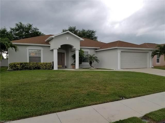 2411 Hawks Preserve Drive, Fort Myers, FL 33905 (#220042695) :: The Dellatorè Real Estate Group
