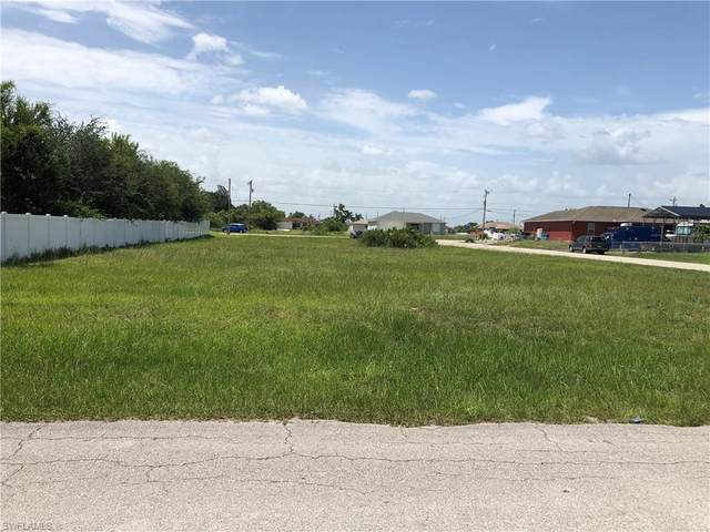 4200 24th Street SW, Lehigh Acres, FL 33976 (MLS #220043038) :: Palm Paradise Real Estate